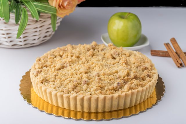 Apple pie with crump topping