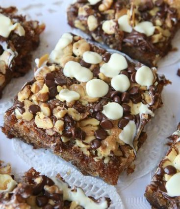 Chocolate chips date squares