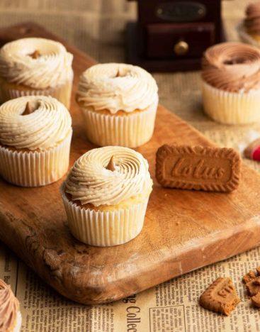 Lotus-Cupcake