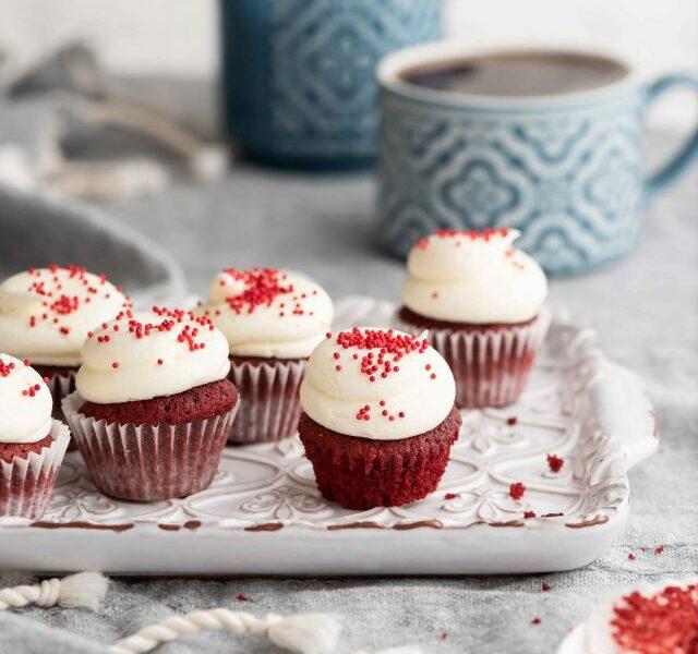 Mini-Red-Velvet-Cupcake