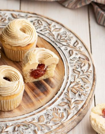 Peanut-Butter-&-Jelly-Cupcake