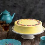 Yellow Daisy Cake 1