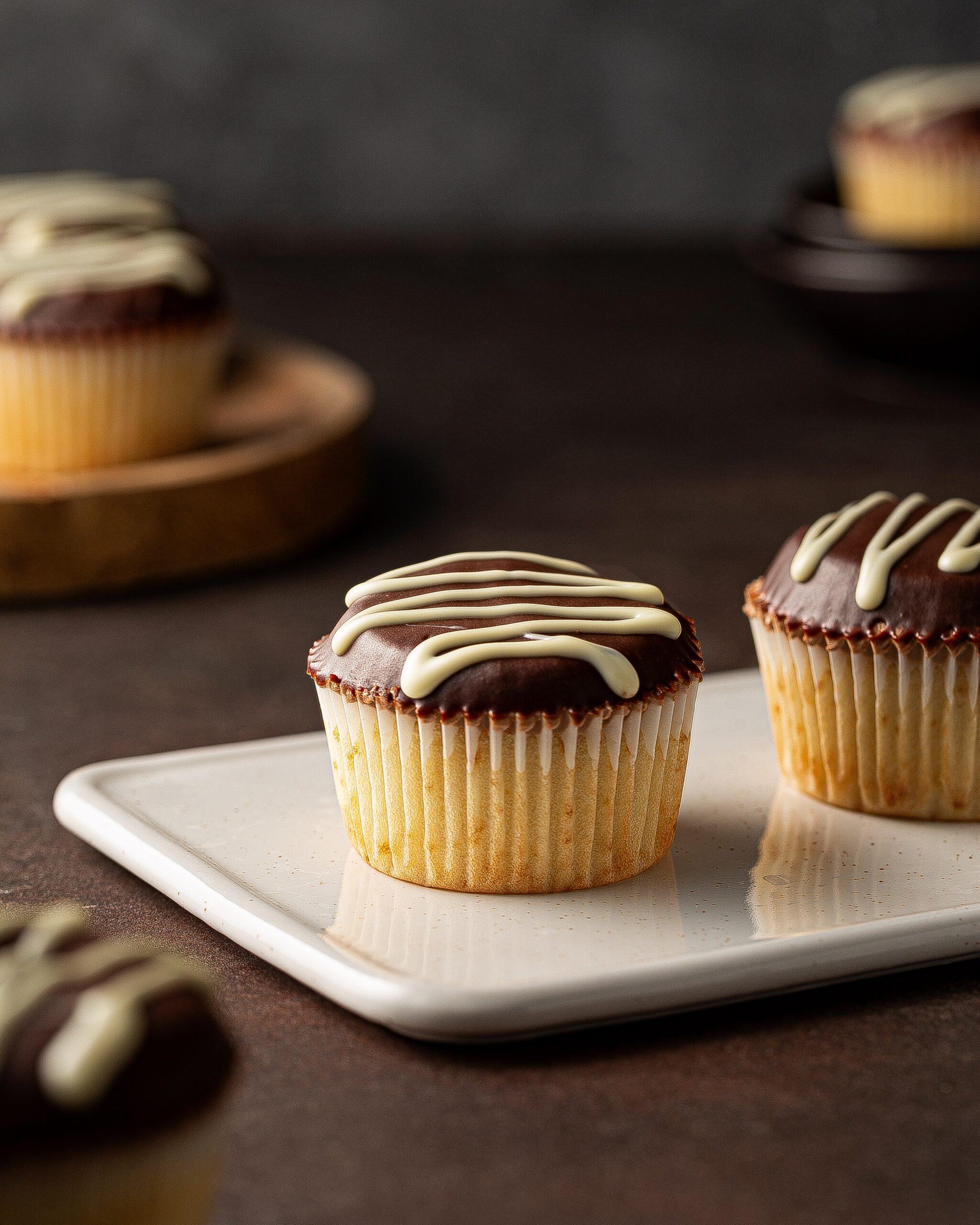 sugar-daddys-boston-cream-cupcakes